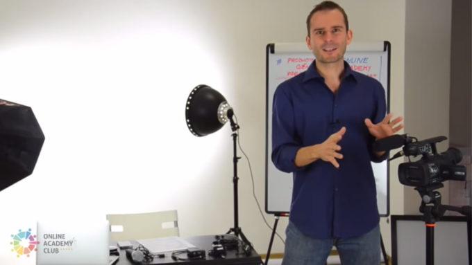 Vytvořte si vlastní televizi za 30 minut na YouTube - David Kirš